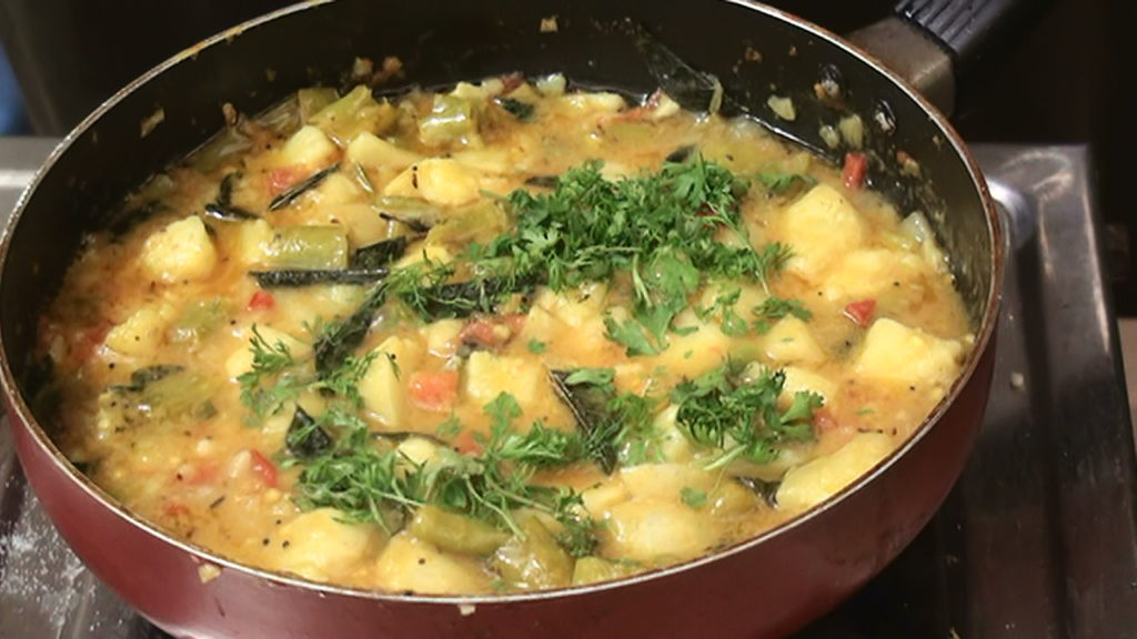 Boiled Potato Curry – Aloo Recipe – Indian Cuisine